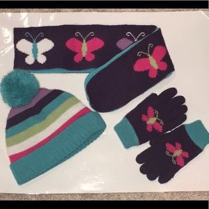 Set of scarf, gloves and hat